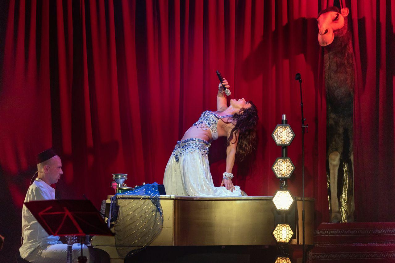 Sfeerbeeld theaterfestival de Parade dit keer Ellen ten Damme gefotografeerd door Evenementenfotograaf Erik van 't Hof